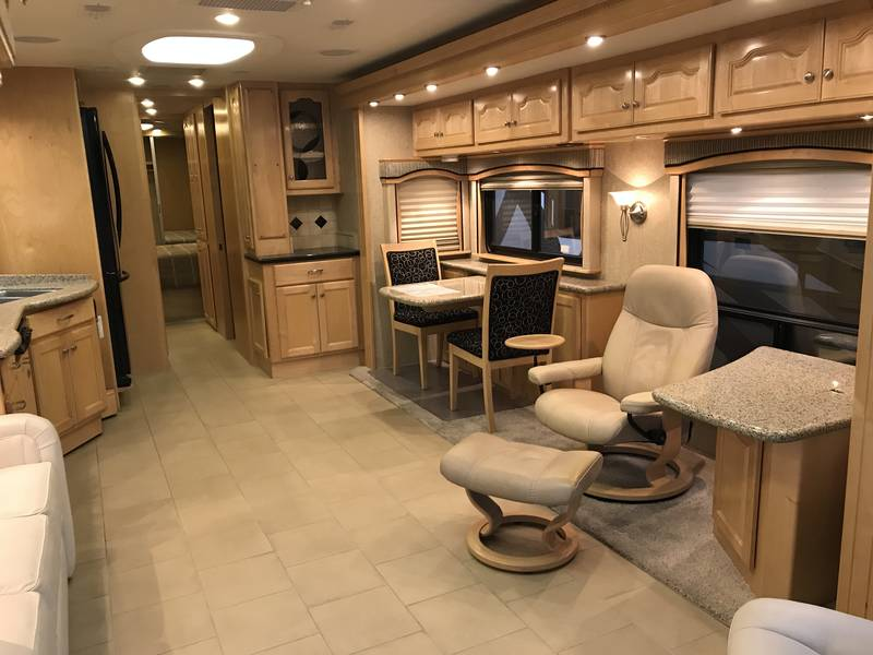 2007 Country Coach Allure 40 Hood River
