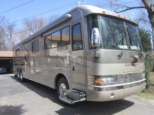 2002 Country Coach Magna Resort