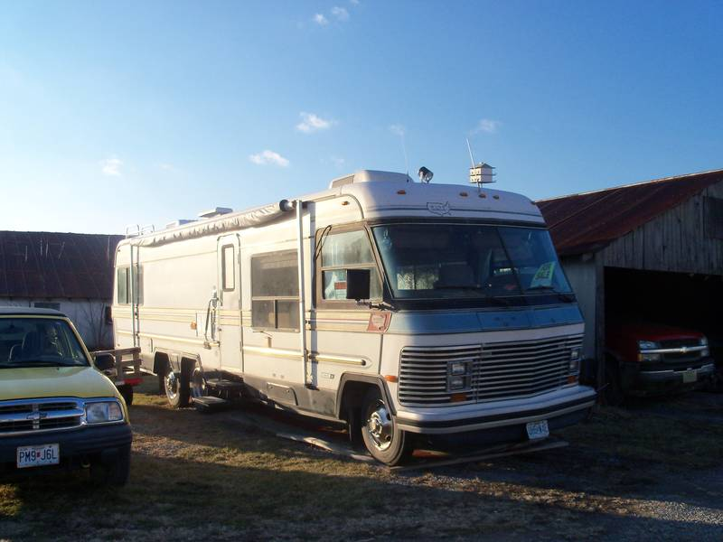 1984 holiday rambler imperial 33 class a gas rv for sale by owner in new london missouri. Black Bedroom Furniture Sets. Home Design Ideas