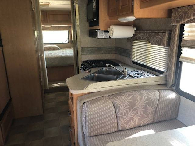 2008 Four Winds 5000 28A