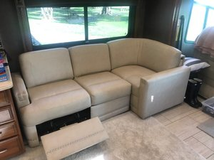 RV Villa Ultra Leather Expandable L SofaBed  600