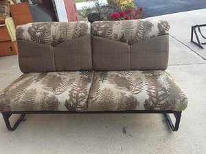 Jakebed loveseat great condition and dinette
