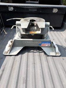 BW 5th wheel hitch
